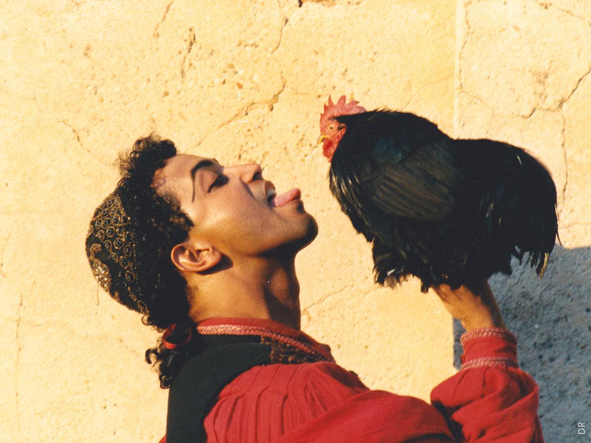 ÉLECTRE  | Aloual (Égisthe) et le coq Pousskassou | Photo Farid Paya