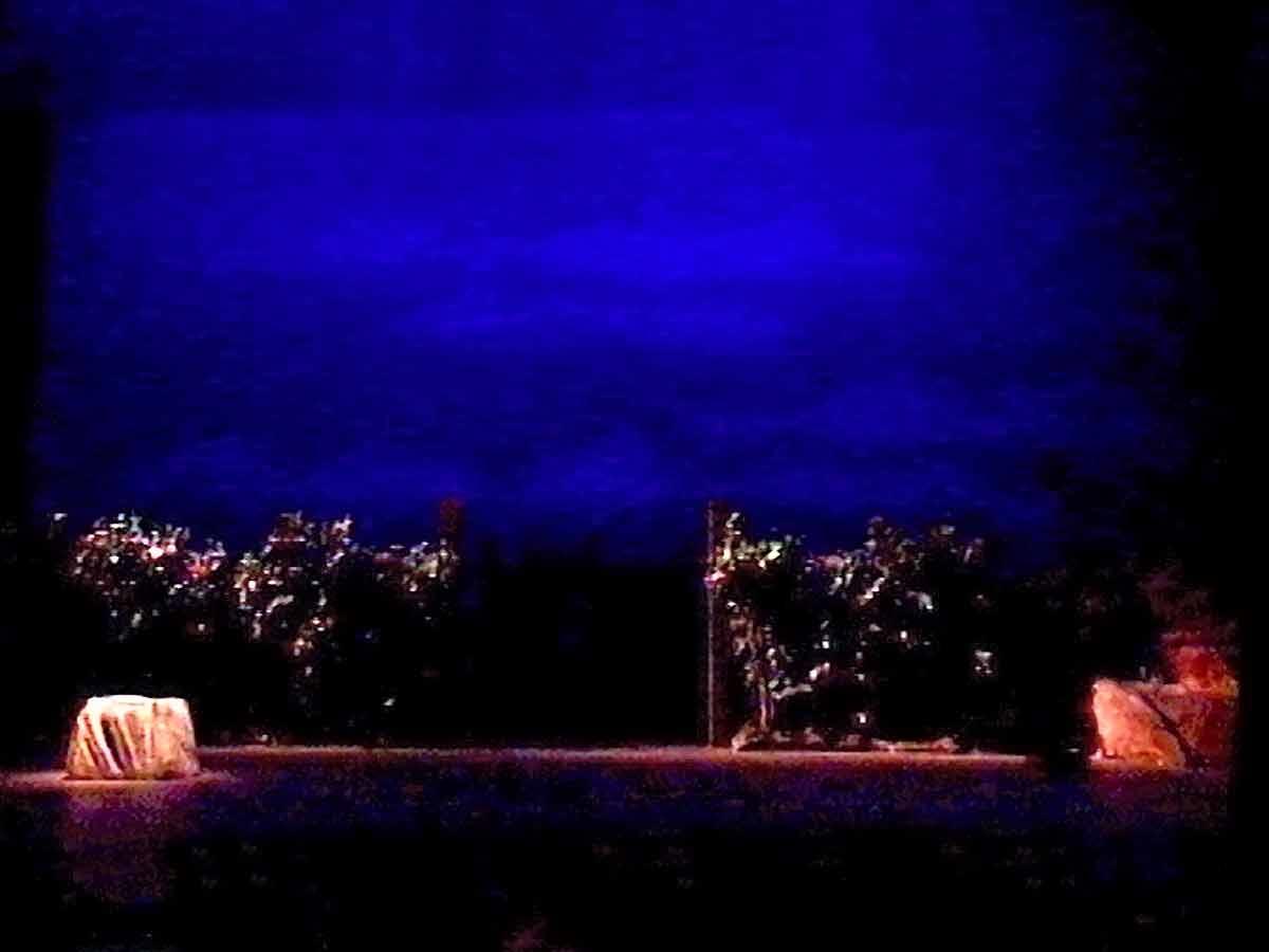 Photo du décor d'ŒDIPE À COLONE (1998-2004) | DR
